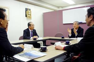 博多港特集・座談会1 福岡・九州の総合力を生かしアジアの港との協調に針路を